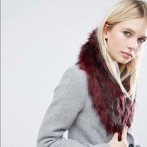 Burgundy Faux Fur Collar